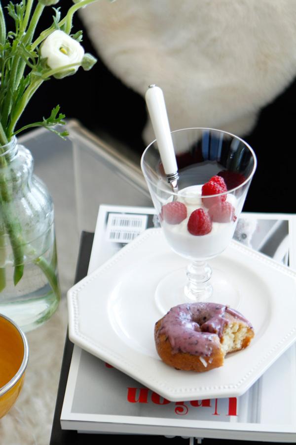 tillamook greek yogurt and donut