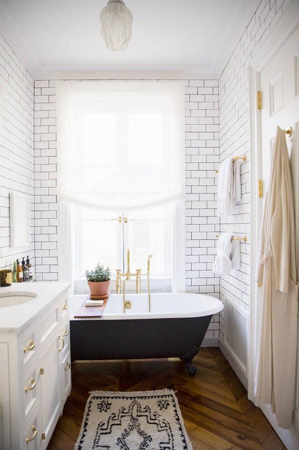modern glam bathroom