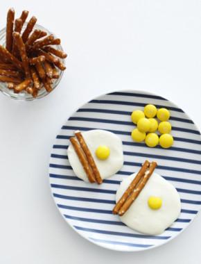 Summertime Fun #3 | Food Craft with Kids (1 Pretzel Stick, 3 Ways)
