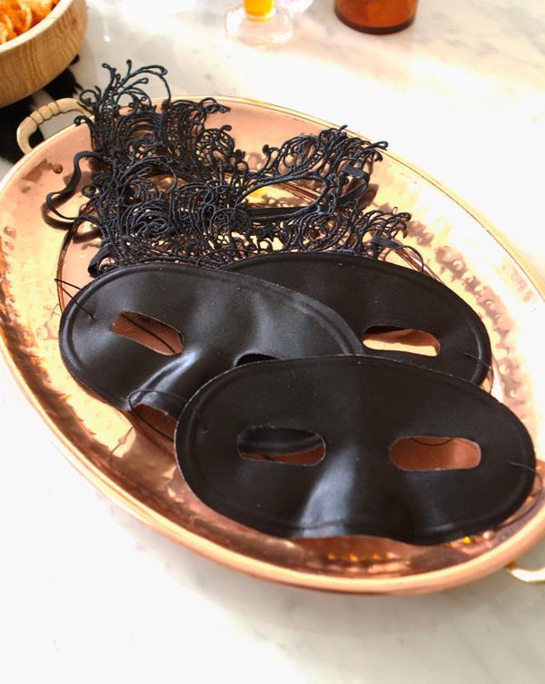 gothic-chic-halloween-11lr
