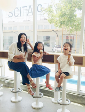 Best Family Travel Tips From Stylish Moms